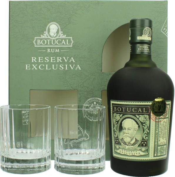 Ron Botucal Reserva Exclusiva mit zwei Gläsern